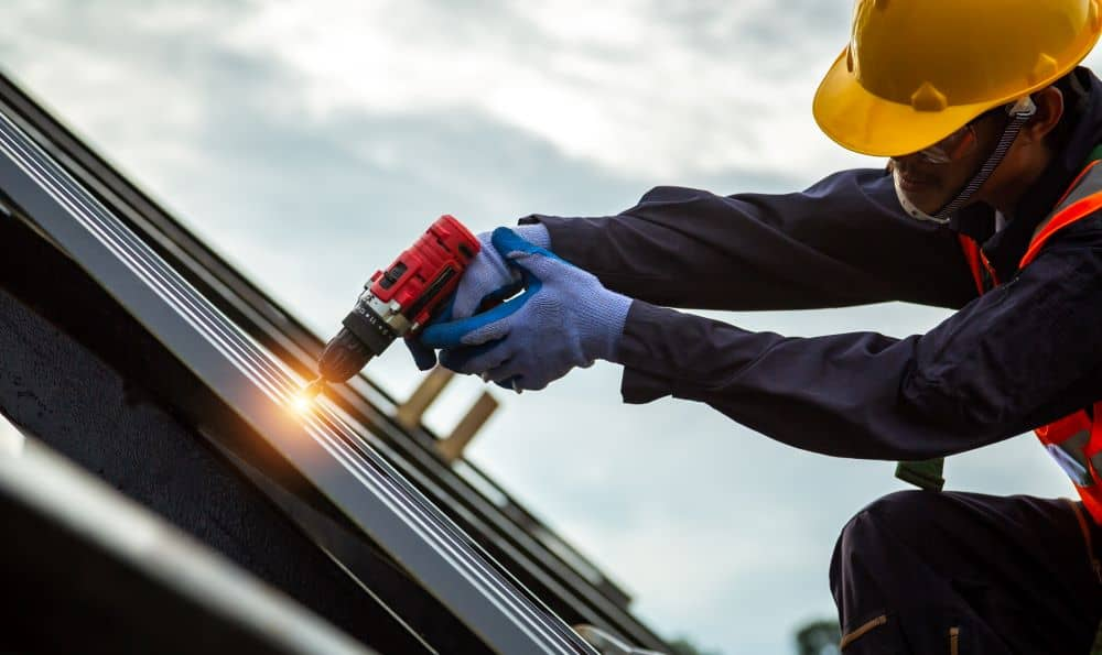 Both commercial and residential roofing requires professional roofers.
